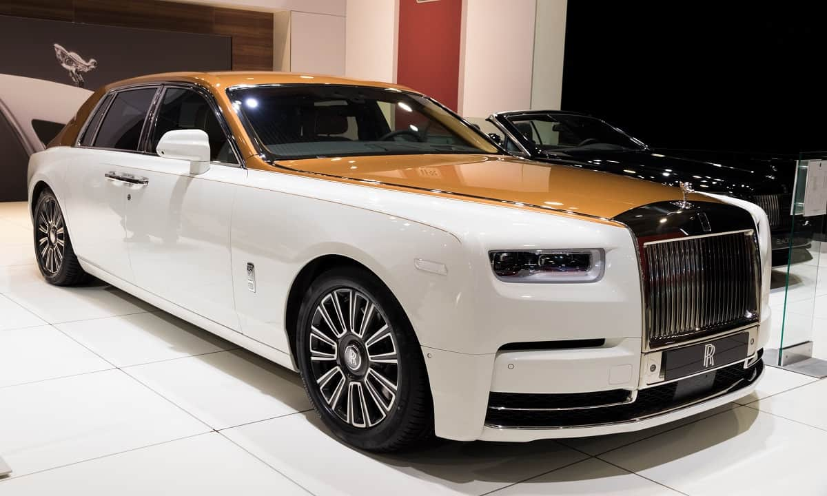 rolls royce phantom 2018 l 39 auto pi lussuosa del mondo idi. Black Bedroom Furniture Sets. Home Design Ideas
