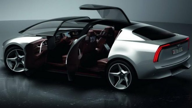 Giugiaro At The Geneva Motor Show With Sibylla A Showcar For Its - Show car
